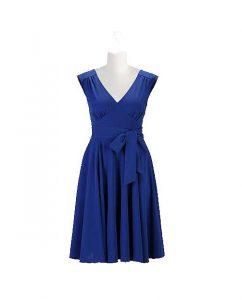 modra ženska obleka